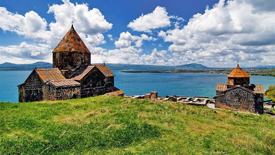 کلیسای دریاچه سوان